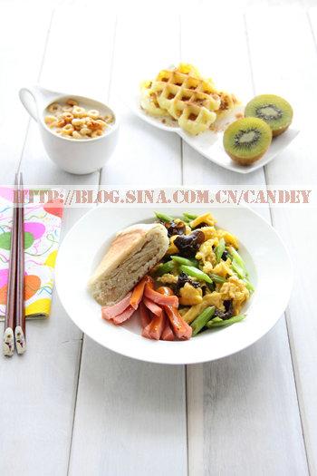 (每日小学生早餐)发面饼的做法/煎肠的做法/华夫糕的做法/芹菜木耳炒蛋的做法[CANDEY]