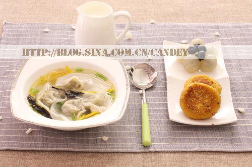 (每日小学生早餐)鸡汤大馄饨的做法/红薯糯饼的做法[CANDEY]
