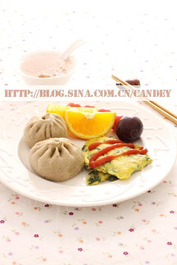 (每日小学生早餐)糯米麦片花生粥的做法/发面小包的做法/菠菜虾皮摊蛋的做法[CANDEY]