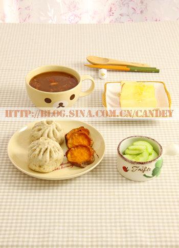 (每日小学生早餐)八宝粥的做法/全麦肉包的做法/烤红薯片的做法[CANDEY]