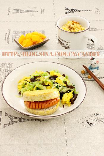 (每日小学生早餐)全麦馒头的做法/烤肠的做法/菜炒蛋的做法[CANDEY]