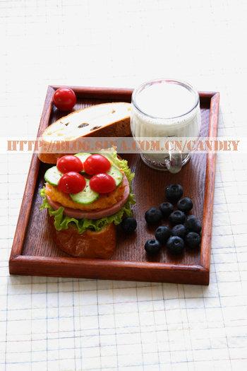 (每日小学生早餐)面包三明治的做法/牛奶的做法[CANDEY]
