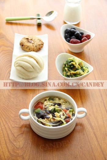 (每日小学生早餐)豌豆苗木耳蛋花汤的做法/菠菜虾皮炒蛋的做法[CANDEY]